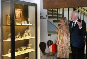 Aet ja Jüri Kuuskemaa vitriininäituse avamisel