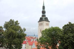 Neitsitorni aknast avaneb vaade legendaarsele Taani kuninga aiale.