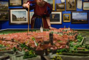 Muuseumitundides saavad erinevas vanuses õpilased uusi teadmisi Tallinna ajaloo erinevate perioodide kohta ja teada, mis on muuseumikogudes. Foto: Kadi Kindma.