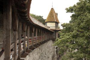 Kummitustuur kaitsetornides ja bastionikäikudes