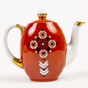 """Dekoor """"Muhu mänd"""", kujundaja Astrid Tiits. Nikolai Langebrauni portselani dekoreerimise tööstus, 1930. aastad."""