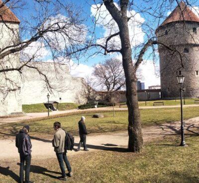 <b>Õuesõpe vanalinnas</b>: põnevad ja harivad orienteerumismängud keskaja linnaelust