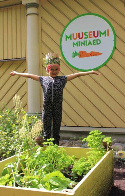 """<b>Lastemuuseum avab 14. mail AIANÄITUSE """"Roheliste näppudega lapsed""""</b>"""